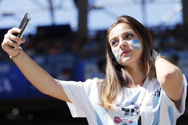 Argentina women fans