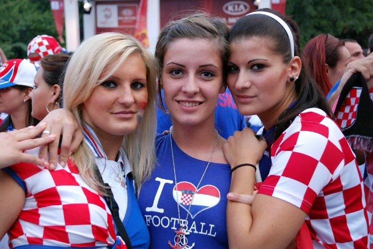 Croatian_girls_Hot_sexy_football_fans_UEFA_Euro_Cup