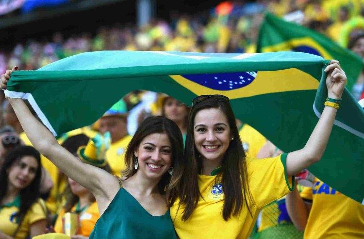 most-gorgeous-soccer-fans-Brazil